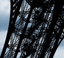 The Eiffel Tower by Tom Gliss