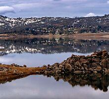CURIOSITY ROCKS. LAKE JINDABYNE by CRSPHOTO