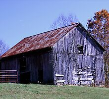 Rusty Old Barn by Gary L   Suddath