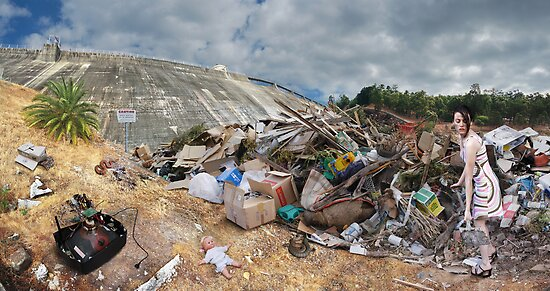 Her landfill by Hardy