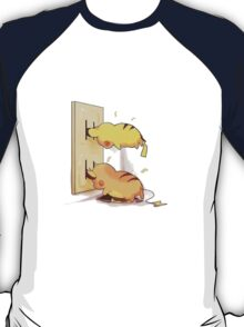 pikachu and raichu in a plug lol T-Shirt