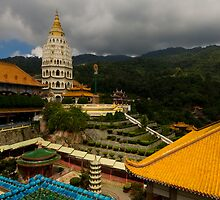 Kek Lok Si Temple 1 by Mark Snelson