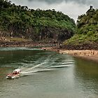 Iguaza River - load the boat by photograham