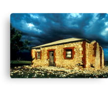 Old Homstead Canvas Print