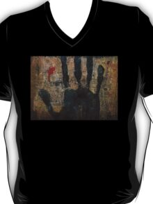 My life is slipping through my fingers. T-Shirt