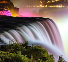 NIAGARA FALLS 11 by Tom Uhlenberg