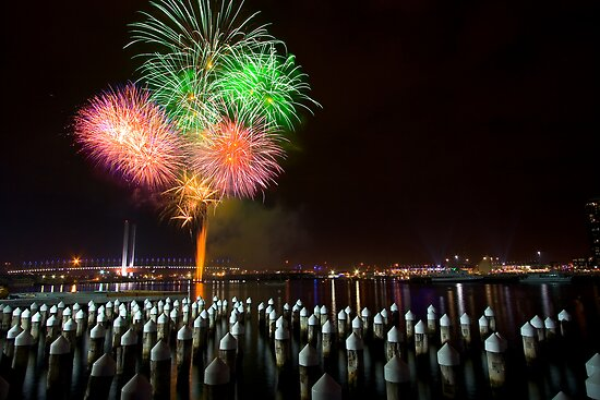 Fireworks at Docklands by AustralianImagery