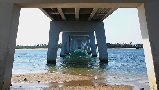 Bridge to Philip Island by hinting