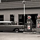 Texaco Service by Anthony Pierce