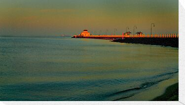 st kilda beach 5.30 am by Melinda Kerr