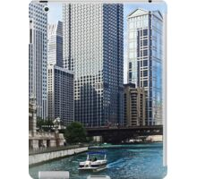 Chicago IL - Chicago River Near Wabash Ave. Bridge iPad Case/Skin