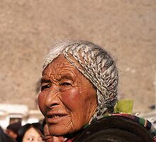 Tibetan woman by dominiquelandau