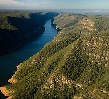 Lake Burragorang by Roger Barnes