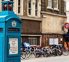 Liverpool street by Michal Obuchowski