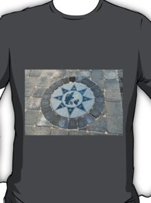Compass directions wind rose T-Shirt