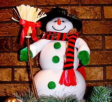 Frosty Is Ready For Christmas by Marie Sharp