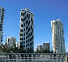 Welcome to Surfers Paradise by myraj