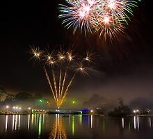 New Year's Eve Fireworks 2007, Adelaide, South Australia by Daniel Attema