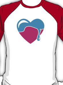 Love heart dripping cute! T-Shirt