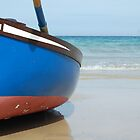 Boat on St Agnes beach by MikeTheYokel