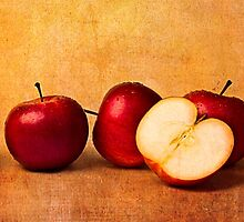 Apples In Red by luckypixel