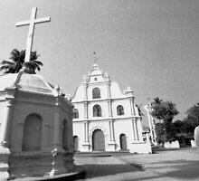 A priest in Kochi by logomomo