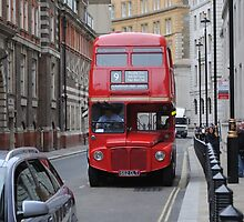 Red Bus by sandracbt