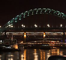 Tyne Bridge(s) by Robert Worth