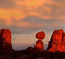 Balanced Rock by Steve  Taylor