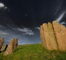 Auchagallon Cairn and Stone Circle - 2 by Richard Ion