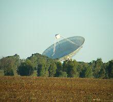 Radio telescope at Parkes by michael51