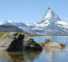 matterhorn in sunshine by WyeLookAtThis