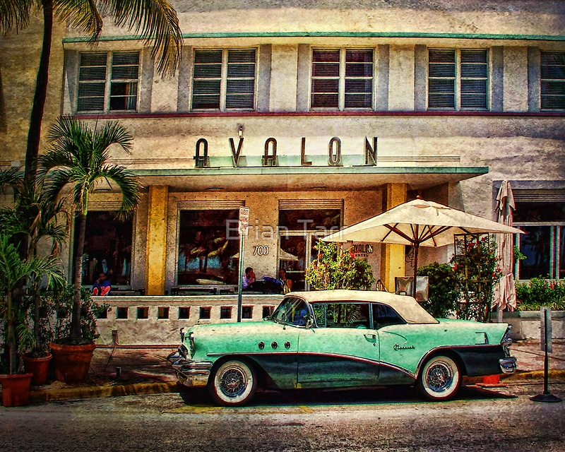 Ocean Drive, Miami by Tarrby
