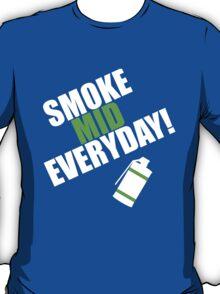 CS:GO - SMOKE MID EVERYDAY! T-Shirt
