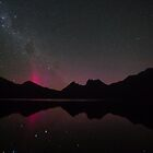 Aurora Beams at Cradle Mountain by tinnieopener