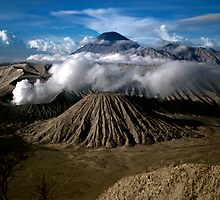 M. Bromo n Mt. Semeru, East Java, INDONESIA by siparman