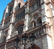 Notre Dame de Paris by adamgrell