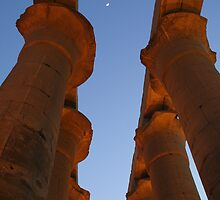 Luxor Temple by adamgrell