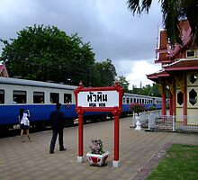 Hua Hin Station by Dave Lloyd