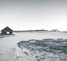 Black and White Old Barn by heartlandphoto