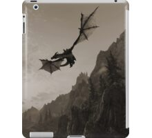 Skyrim dragon fly iPad Case/Skin