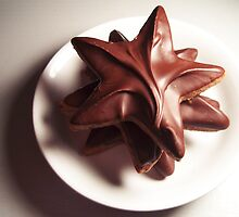 Star-Shaped Chocolate Cookie by Lunchbox