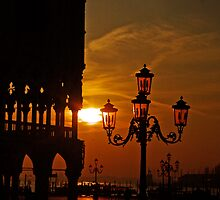 Dawn at the Doges palace by naranzaria