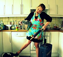 hectic housewife happiness. by x99elledge