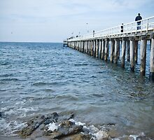 Pt Lonsdale Jetty by Wendy Roscoe