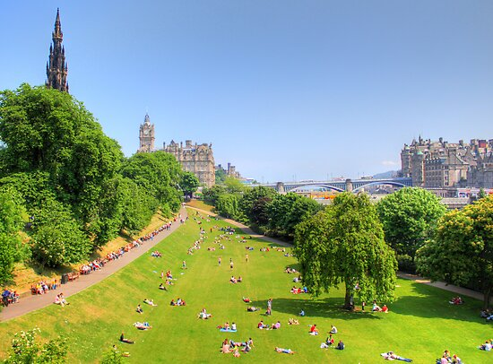 East Princes Street Gardens by Tom Gomez