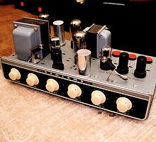 Newcomb H-25 Tube Amplifier by warrenlain