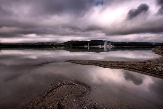 Sulphur Bay by Varinia   - Globalphotos