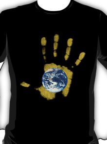 hands on earth T-Shirt