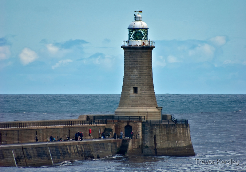 Harbour Light - Whitley Bay. by Trevor Kersley